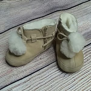 Ralph Lauren leather booties furry lined size 2